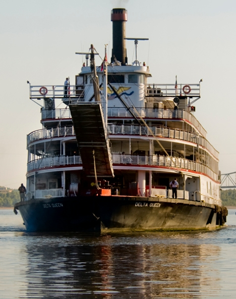 The Delta Queen up close and personal as she begins her final maneuvers to enter the river.
