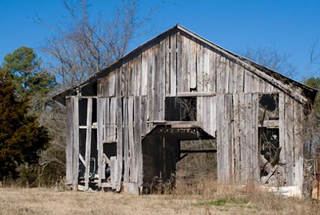 Barn on Arkansas HIghway 298 West of Hot Springs Village AR.