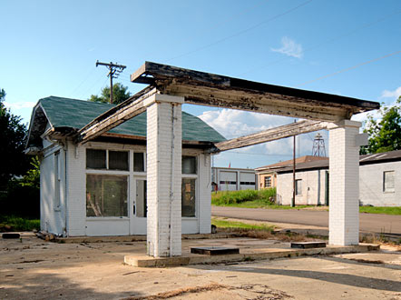 It's best days behind it, this old service station in Stephens, Arkansas reminds us that time stands still for no one.
