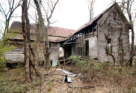 What was probably a fine home in its time has now taken on the desheveled, creepy, haunted look relished by mystery fans and despised by the squeamish.