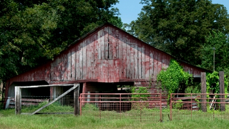 Great looking old barn. Not many details available