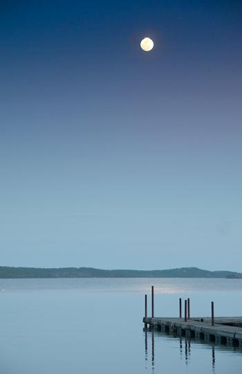 Moonrise on Lake Maumelle