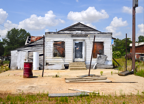 old store on US 79