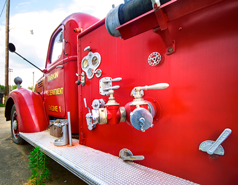 1947 IHC KB6 fire truck controls