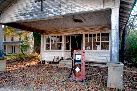 Old Stewart store at New Edinburg AR