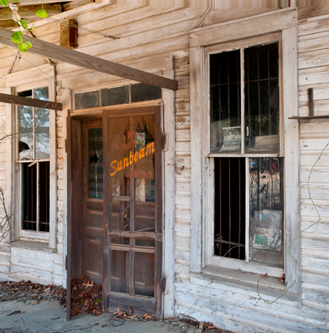 old Finch McCullough store in New Edinburg AR