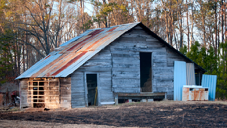 Old barn on Monticello Road