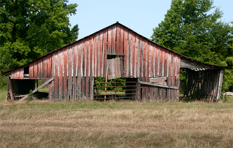 Old barn on US HIghway 63 south of Pine Bluff, Arkansas