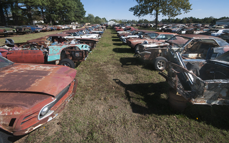 wrecked mustangs at james matthews rosebud arkansas