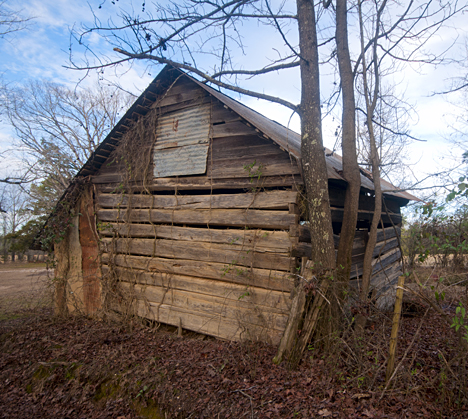 This old log cabin, barn or whatever it may be was another great find on Hot Spring County Road 61.