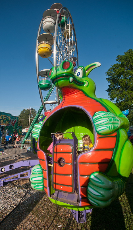 children in dragon ride at star daze festival