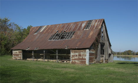 Old barn at Durham AR