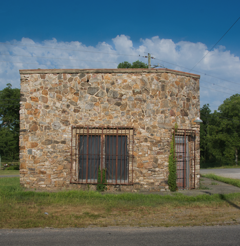 native stone building in Caddo GAp Arkansas