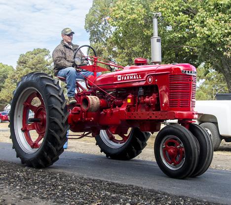 H model farmall tractor